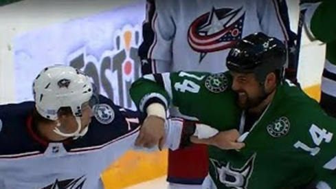 Josh Anderson and Jamie Benn get a big time bout during the first period of the Stars vs. Blue Jackets game