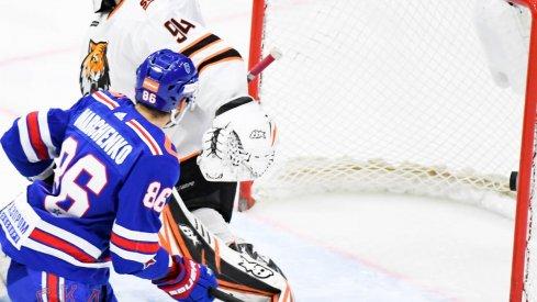 Kirill Marchenko sets up a beautiful goal