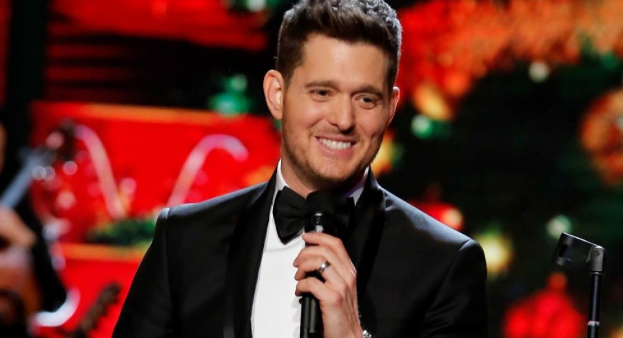 Michael Buble Christmas Special 2019.Michael Buble Tells Columbus Crowd That Panarin Bobrovsky