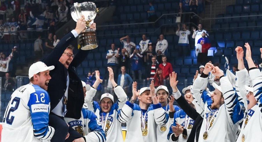 Jukka Jalonen raises the cup after Finland wins the 2019 IIHF Ice Hockey World Champsionship.